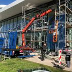 Montage Glas bei der SMA Kassel